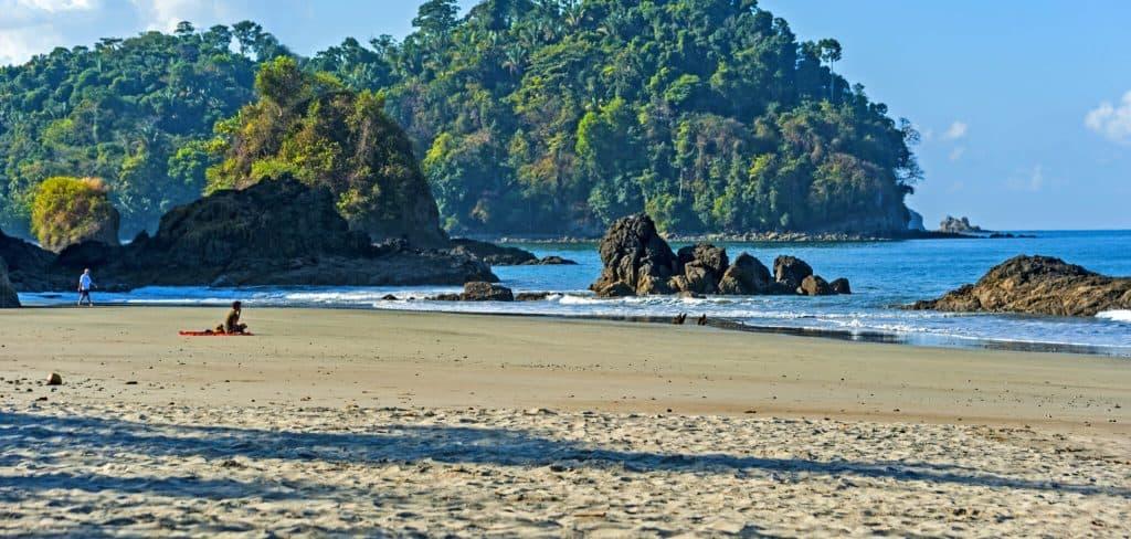beach hotel near manuel antonio